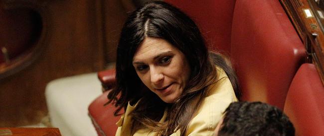 Grillo contro le candidate di Matteo: sono come le veline… E a Firenze la sinistra litiga su Fiona May