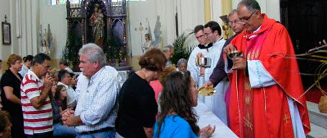 La telefonata del Papa sulla comunione ai divorziati: la Chiesa non commenta. Don Spedicato: «Sarà il sinodo dei vescovi a pronunciarsi»