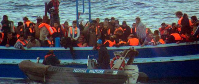 Allarme del ministro Alfano: migliaia di migranti africani pronti a sbarcare sulle coste italiane