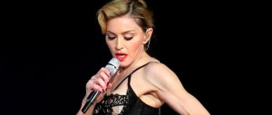 Madonna: sesso orale gratis ai maschi che non votano la destra di Trump (video)