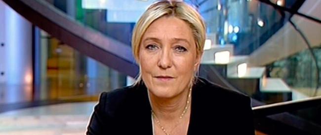 Né Alba Dorata né M5S, Marine Le Pen parla ai «patrioti». Ma in Italia c'è chi finge di non capirlo