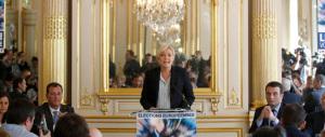 Ecco perché la Le Pen sbancherà alle europee: viaggio a Béziers, dove il sindaco è un trozkista eletto con il Fn