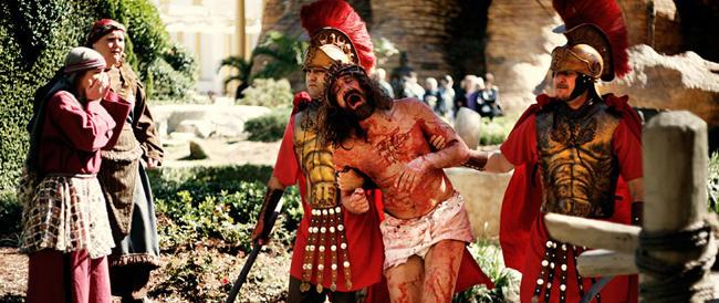 I parchi a tema sulla Bibbia e sulla vita di Gesù dove si paga per assistere ai miracoli e Cristo risorge ogni trenta minuti