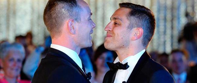 """Nozze gay per la prima volta """"riconosciute"""" anche in Italia dal tribunale di Grosseto"""