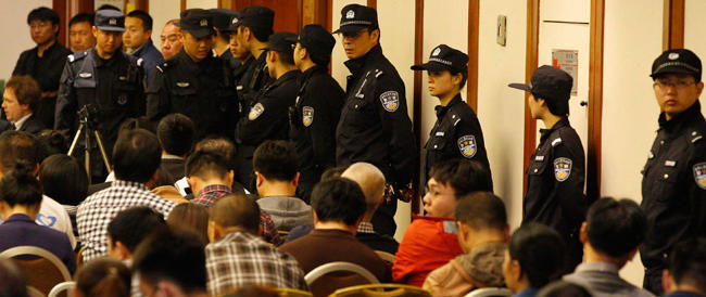 """Cina, tre anni di carcere a un """"blogger"""": «Faceva cattiva pubblicità al governo»"""