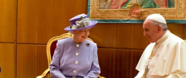 Visita-lampo della Regina Elisabetta: dal Quirinale al Vaticano, con sobrietà e riservatezza