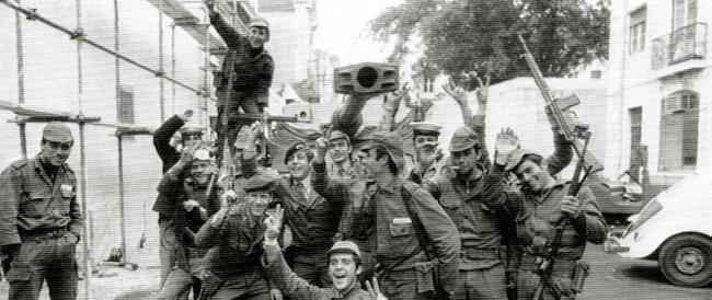 """PAGINE DI STORIA/Portogallo, 25 aprile 1974: come un golpe militare socialista diventa una """"rivoluzione gloriosa"""""""