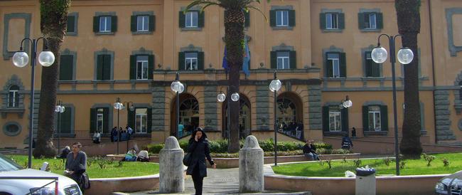 """Pazienti """"parcheggiati"""" nelle sale operatorie: accade all'ospedale San Camillo"""