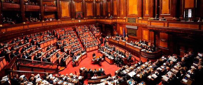 Senato, accordo vicino. Il premier cerca la quadra con i dissidenti: i nuovi senatori scelti dai Consigli regionali