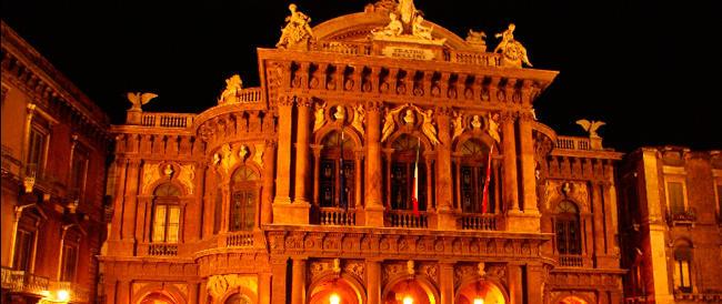 Prendevano gli straordinari anche se assenti: rinviati a giudizio 80 dipendenti del Teatro Bellini di Catania