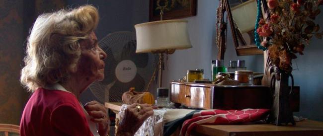 Quattro pensioni e un tetto. Come si organizzano i nonni in tempi di crisi per evitare l'ospizio