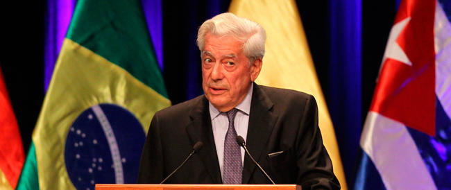 """Il regime rosso del Venezuela """"vieta"""" le proteste di piazza. Vargas Llosa: «Siamo alla follia»"""
