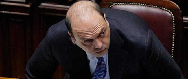 Gay, Alfano si ritira dalla lotta: «Sul governo deciderò in autunno»