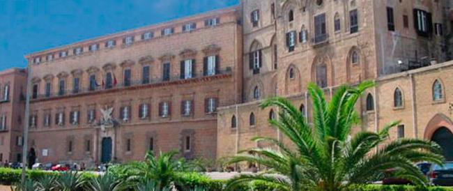 Palermo, spese folli a Palazzo dei Normanni: tablet, bistecche e cassate pagate coi soldi dei gruppi