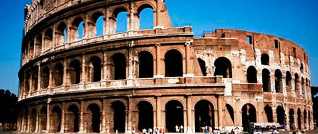 Il Colosseo chiuso? Parla un lavoratore: «Non solo problemi strutturali, manca organizzazione e poi in prima linea ci finiamo noi»
