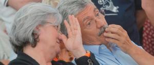 D'Alema «disgustato» dal Cav che «osa» criticare Napolitano: divinità dell'Olimpo, punitelo