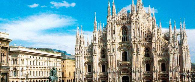 Giù dalle Guglie del Duomo di Milano: 62enne in condizioni gravissime