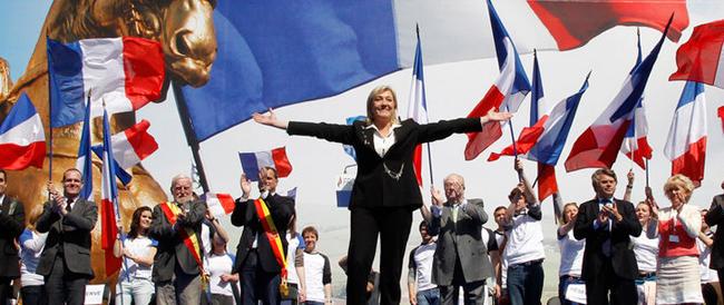 All'opera i sindaci del Front National: coprifuoco per i minori, no alle moschee e stop alle bandiere dell'Ue