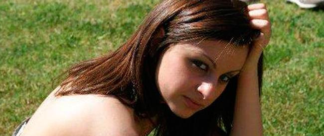 Amici e parenti in corteo ricordano la sedicenne Fabiana, uccisa un anno fa per mano del fidanzato