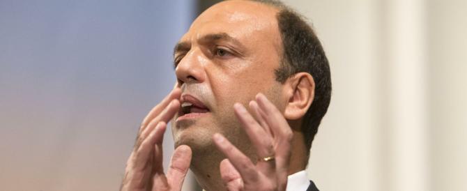 Alfano fa promesse sulla sicurezza e attacca Berlusconi: «Per lui un voto inutile»