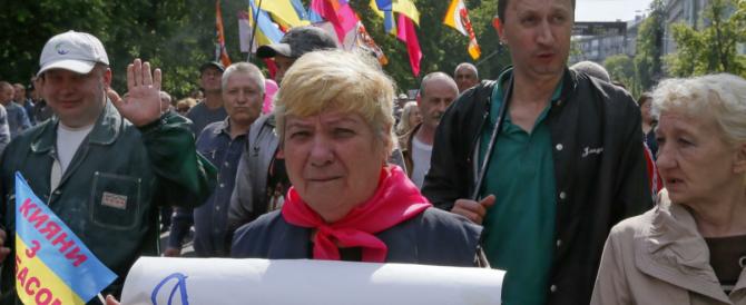 Ucraina: liberati i 12 osservatori Osce. Per la strage di Odessa la Russia accusa Kiev