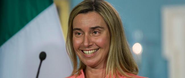 Sui marò la Mogherini scopre l'acqua calda: non sarà facile riportarli in Italia