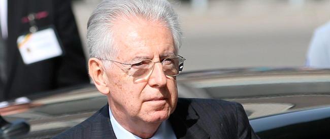 Monti sfida il ridicolo: «Renzi mi ha copiato, merito mio se Berlusconi non è al Colle…»