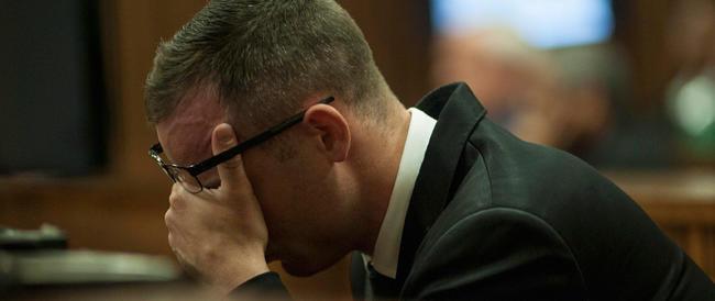 Il racconto di un testimone: «Pistorius era straziato, implorava Reeva di non morire»