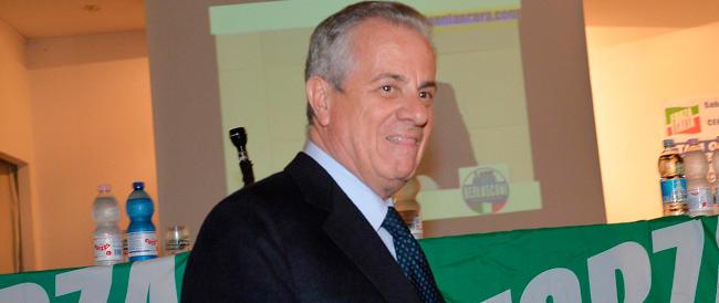 Manette per Claudio Scajola: avrebbe favorito la latitanza all'estero di un imprenditore