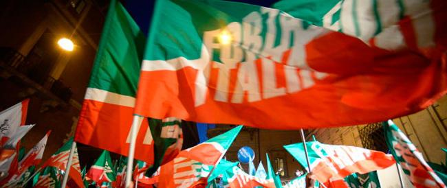 Al via la raccolta fondi per sostenere Forza Italia. Berlusconi ai giovani: vedrete, mi arresteranno in diretta…