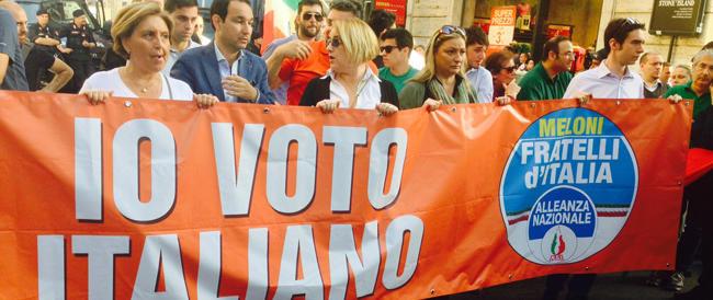 Fratelli d'Italia in piazza del Popolo all'insegna dello slogan: «Io voto italiano»