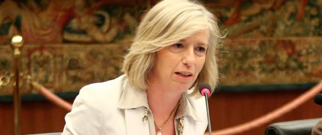 """La """"ministra"""" Giannini scopre che gli stipendi dei professori sono bassi. Ma guarda un po'…"""