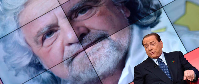 Berlusconi a Grillo: «Un assassino». La replica: «Solo un pover'uomo»