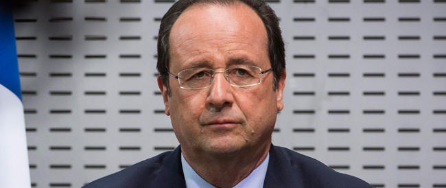 Sondaggi, Hollande in caduta libera. I francesi: non ti candidare mai più