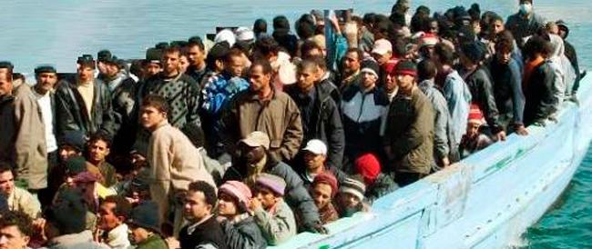 Immigrazione, Alfano insiste: rafforziamo Frontex e spostiamo la sede in Italia