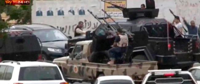 Libia in fiamme, la Ue (come al solito) se ne lava le mani. Per l'Italia si profila un'altra emergenza sbarchi