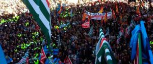 Diecimila dipendenti del Campidoglio contro il taglio degli stipendi: Marino offende Roma, deve andarsene