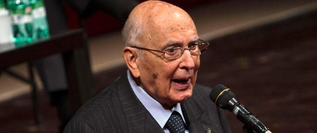 Napolitano: nessuna indulgenza per chi manifesta con la violenza e va in giro a volto coperto
