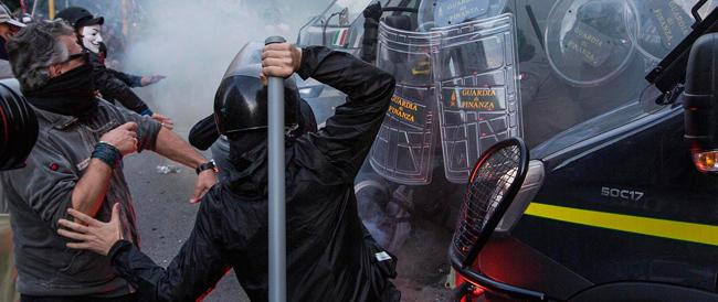 """E i vandali No Tav diventano """"fascisti"""": a Chiamparino l'oscar della manipolazione"""