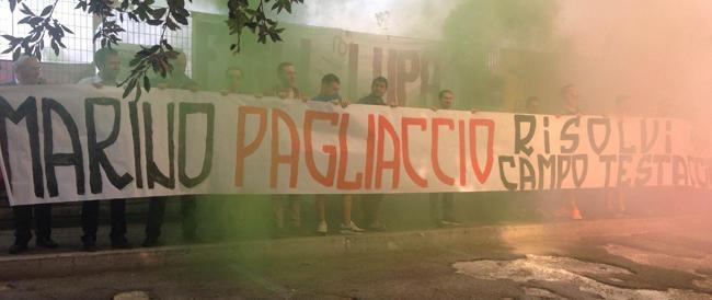 Flash mob di Fratelli d'Italia contro l'invasione di immigrati a Roma voluta dal sindaco