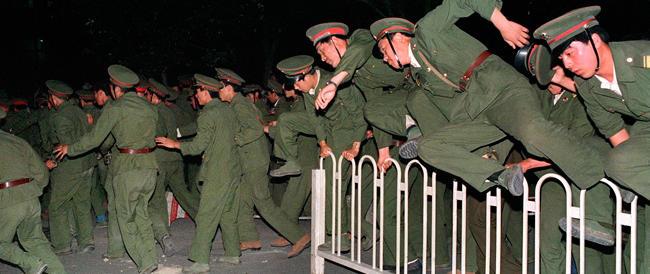 Cina, altra repressione in vista della ricorrenza di Tienanmen. Spunta anche il terrorismo islamico