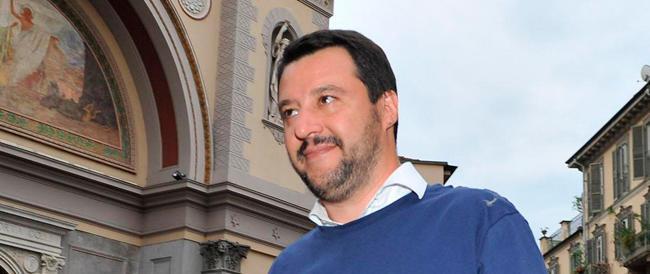 """""""Chiudere le frontiere e bloccare le partenze"""": Salvini come la Le Pen"""