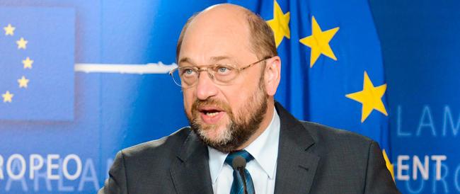 Guai a criticare i turchi al Parlamento europeo: c'è Schulz che ti caccia, così…