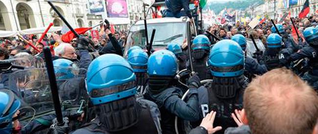 """""""Pizzo"""" ai No Tav per non disturbare il convegno con Chiamparino. Proteste trasversali dal Pd a Fratelli d'Italia"""