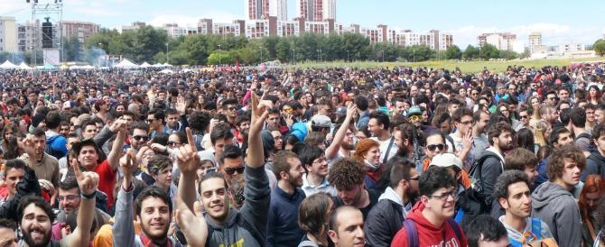 """La contro-festa del lavoro a Taranto: da Caparezza a Mannoia, in tanti hanno """"tradito"""" il sindacato"""