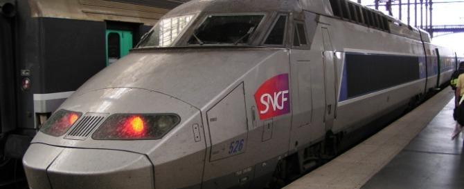 La figuraccia dei francesi: i nuovissimi treni sono troppo larghi per le banchine…