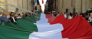 """Mezzo chilometro di tricolore a via del Corso. Il day after la """"sorpresa"""" di Fratelli d'Italia"""