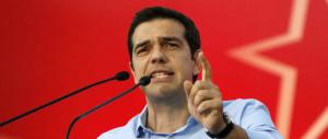 La figuraccia di Tsipras: arriva a Milano e canta vittoria, ma gli exit poll greci sono sbagliati