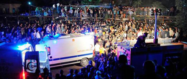 Turchia, strage in miniera: più di duecento morti. Proclamati tre giorni di lutto nazionale