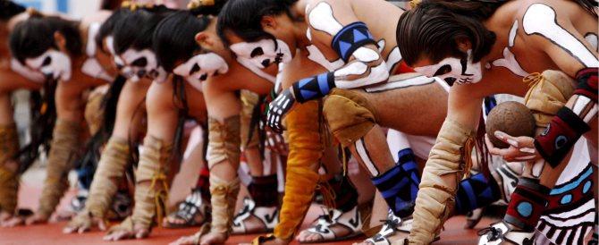 Obama nella riserva di Toro Seduto: abbiamo fatto poco per le tribù indiane